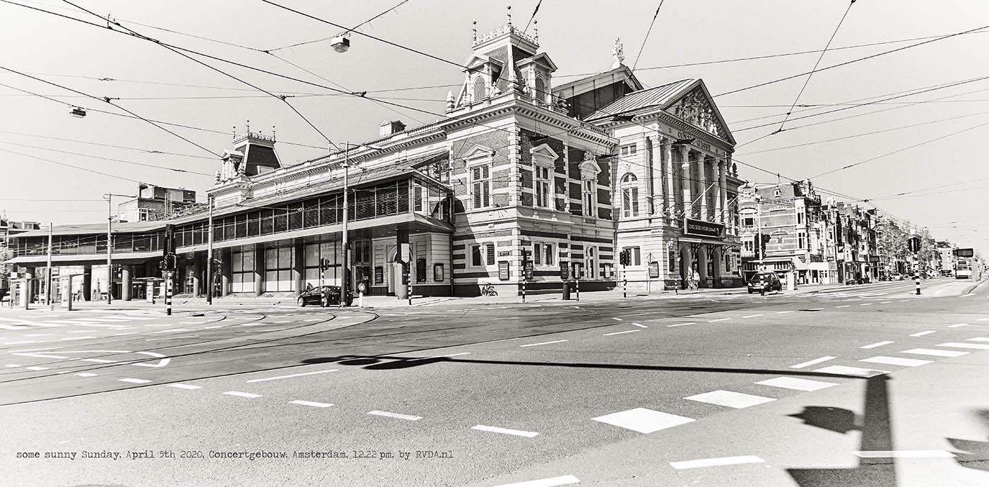 Covid-19-Corona-20-04-05-Amsterdam-by-RVDA-L1017639-Concertgebouw-txt