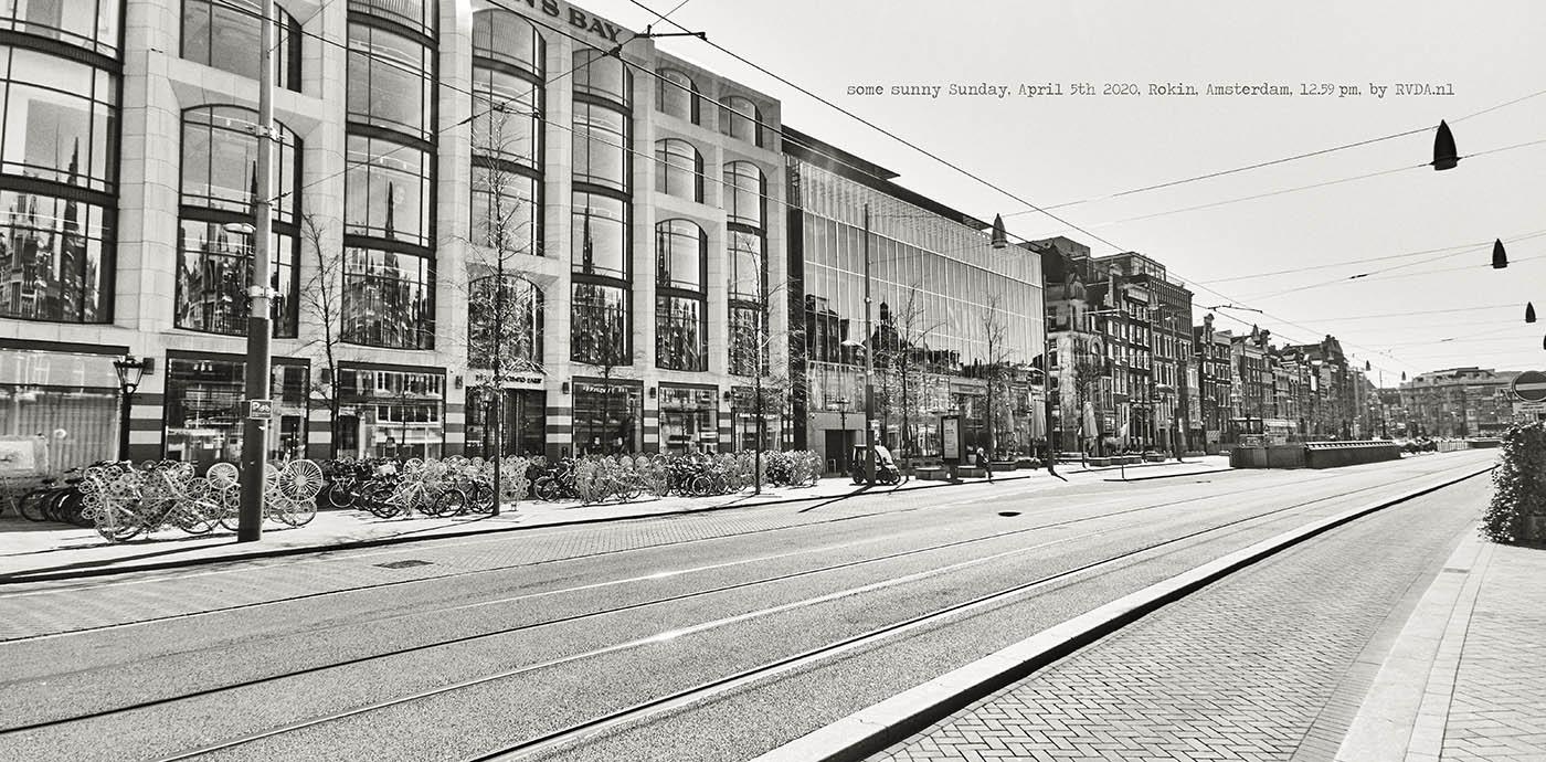 Covid-19-Corona-20-04-05-Amsterdam-by-RVDA-L1017710-Rokin-txt