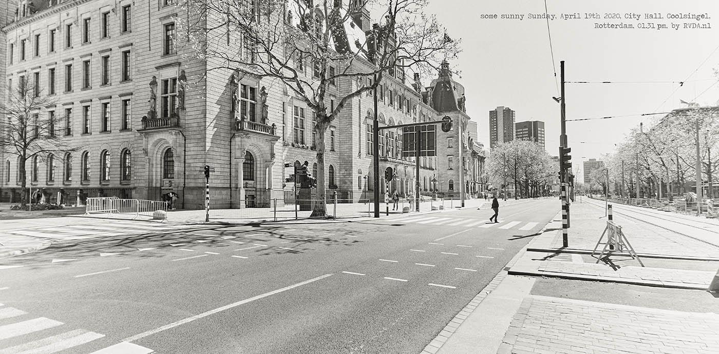 Covid-19-Corona-20-04-19-Rotterdam-by-RVDA-L1018072-City-Hall-Coolsingel-txt