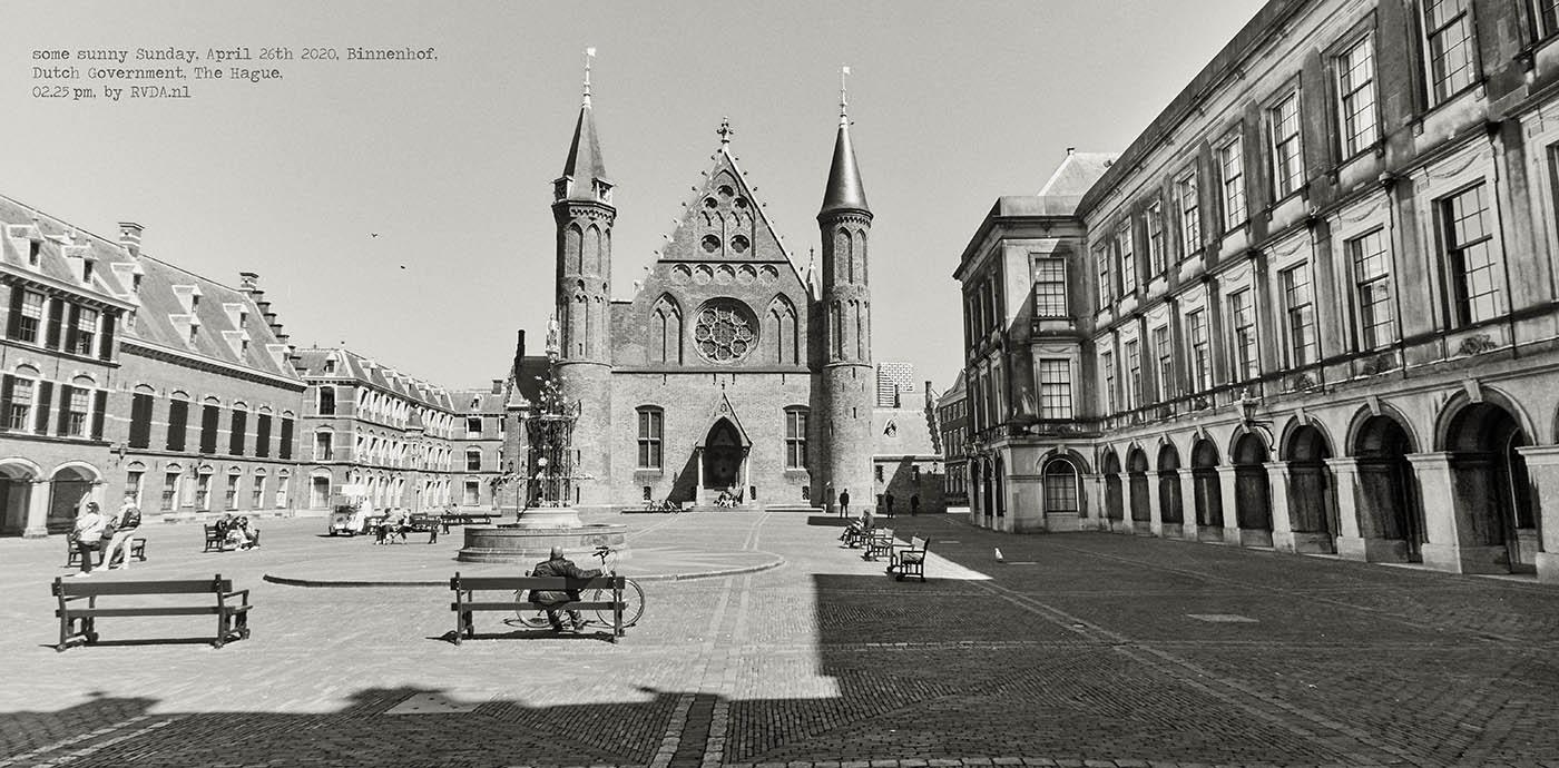 Covid-19-Corona-20-04-26-The-Hague-by-RVDA-L1018545-Binnenhof-txt