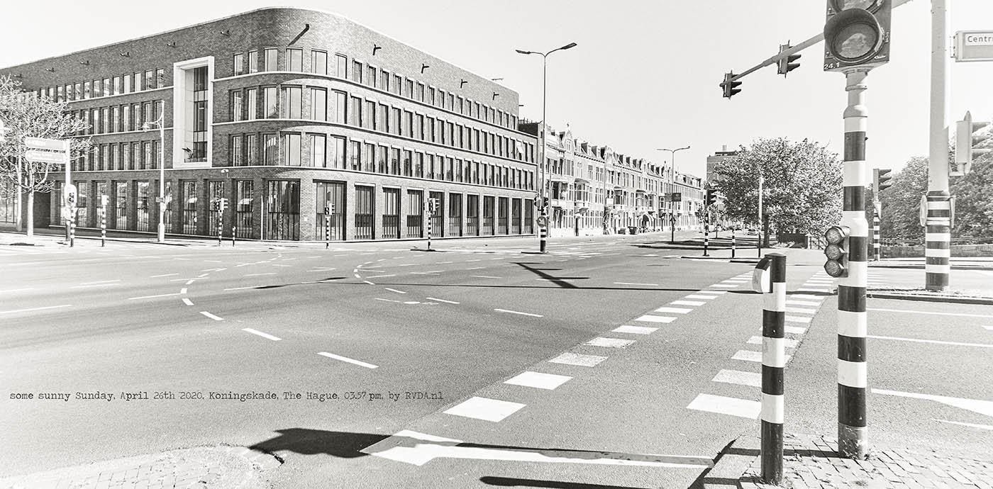 Covid-19-Corona-20-04-26-The-Hague-by-RVDA-L1018662-Koningskade-txt
